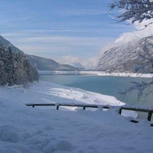 Snow, sun and fun in the winter around Molveno